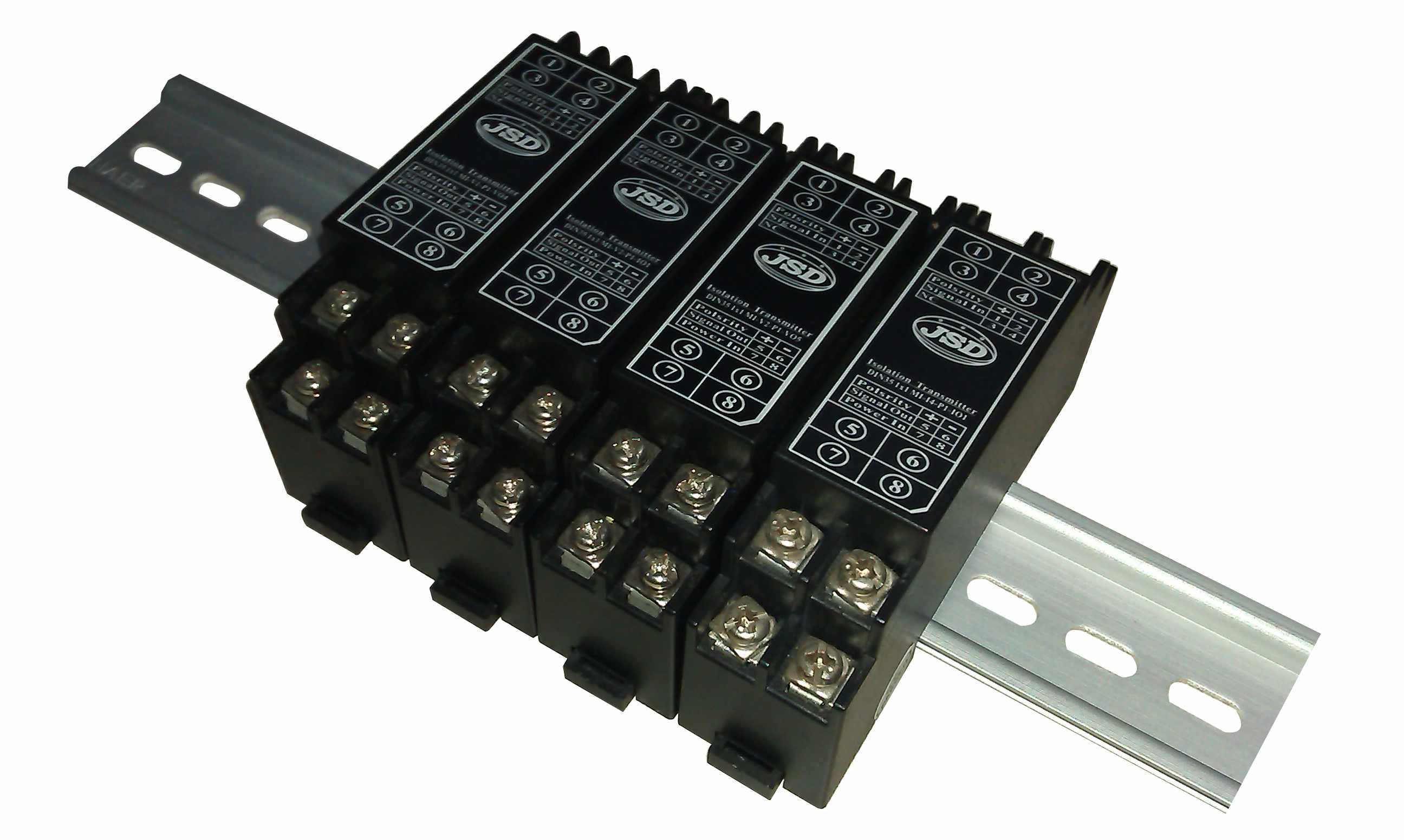 一进一出两线制4-20mA隔离变送器实物